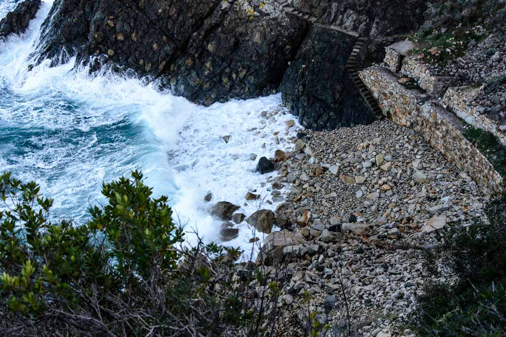 лестница на пляж Кросетта
