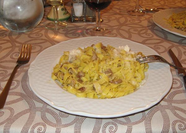 еда в итальянском ресторане